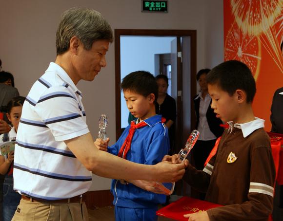 诗乡顾村杯少年儿童 庆精彩世博 讲文明礼仪 诗歌朗诵系列